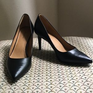 Size 7.5 | Black Pumps | 14th and Union
